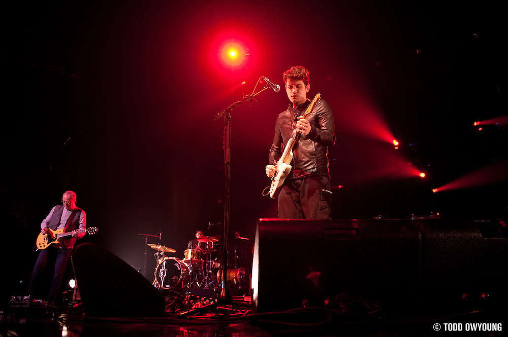 Singer/guitarist John Mayer performing live at the Scottrade Center in St. Louis on March 20, 2010 on the Battle Studies Tour.