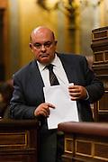 Emilio OlabarrÌa rebates the Minister of Justice, Alberto RuÌz-GallardÛn
