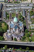 Nederland, Noord-Holland, Haarlem, 12-05-2009; Kathedrale Basiliek Sint Bavo aan de Leidsevaart. De rooms-katholieke kathedraal is de zetel bisschop van het bisdom Haarlem-Amsterdam. .Swart collectie, luchtfoto (toeslag); Swart Collection, aerial photo (additional fee required).foto Siebe Swart / photo Siebe Swart