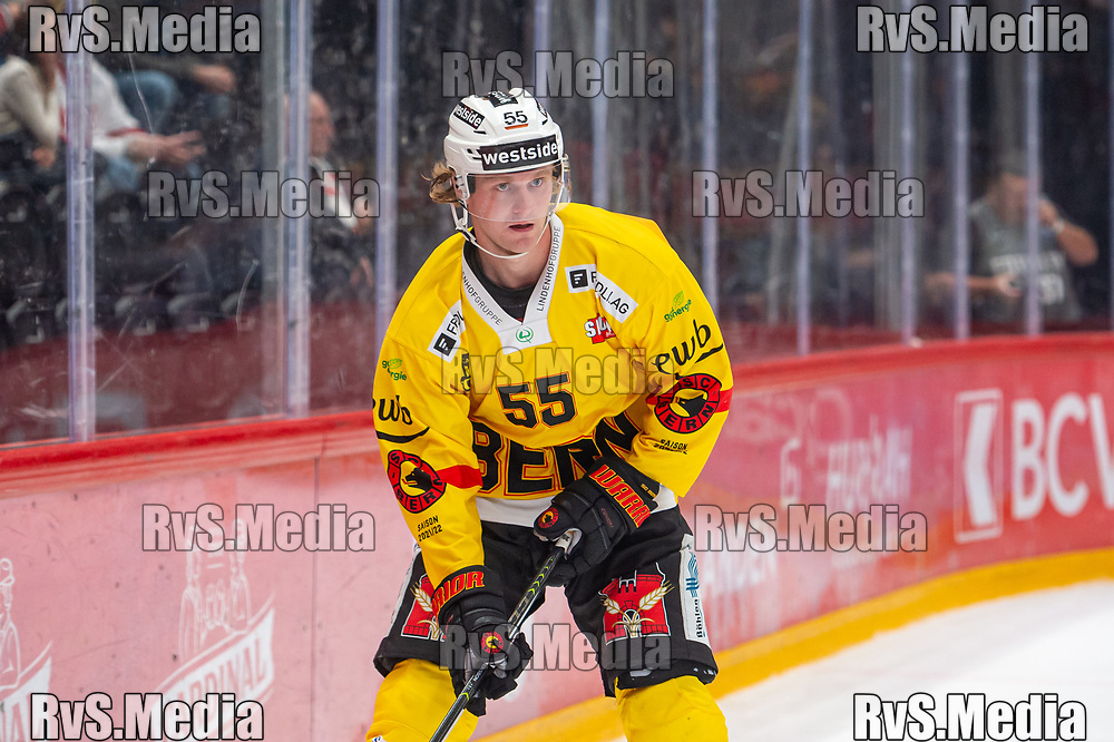 LAUSANNE, SWITZERLAND - SEPTEMBER 28: Calle Andersson #55 of SC Bern in action during the Swiss National League game between Lausanne HC and SC Bern at Vaudoise Arena on September 28, 2021 in Lausanne, Switzerland. (Photo by Monika Majer/RvS.Media)