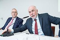"""30 AUG 2016, BERLIN/GERMANY:<br /> Manfred Guellner (L), Geschaeftsfuehrer Forsa-Institut, und Ulrich Silberbach (R), dbb Bundesvorsitzender, Pressekonferenz des Deutschen Beamtenbundes, dbb, zur Vorstellung der """"dbb Bürgerbefragung öffentlicher Dienst 2018"""" von Forsa, dbb atrium<br /> IMAGE: 20180830-01-040<br /> KEYWORDS: Manfred Güllner"""