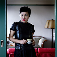 Nederland, Amsterdam , 19 oktober 2011..Mian Mian (Chinese: 棉棉, b. August 28, 1970 in Shanghai) is a Chinese writer. She writes on China's once-taboo topics and she is a promoter of Shanghai's local music. Her publications have earned her the reputation as China's literary wild child, and some are banned in China..Op de foto Mian Mian in het vroegere huis van de familie Frank (Anne Frank) op het Merwedeplein..Foto:Jean-Pierre Jans
