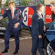 NLD/Amserdam/20150505 - Bevrijdingsconcert 2015 Amsterdam, aankomst Willem Alexander en partner Maxima