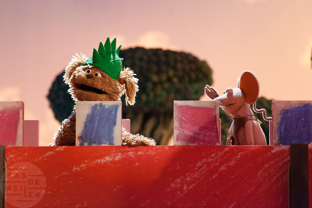 Sesamstraat figuren Tommie en Ieniemienie.<br /> <br /> Sesame Street figures Tommie and Ieniemienie.