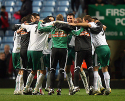 26.08.2010, Villa Park, Birmingham, ENG, UEFA EL, Aston Villa vs Rapid Wien, im Bild Celebration from the SK Rapid Wien players celebrate the victory over Aston Villa, EXPA Pictures © 2010, PhotoCredit: EXPA/ IPS/ Marcello Pozzetti *** ATTENTION *** UK AND FRANCE OUT! / SPORTIDA PHOTO AGENCY