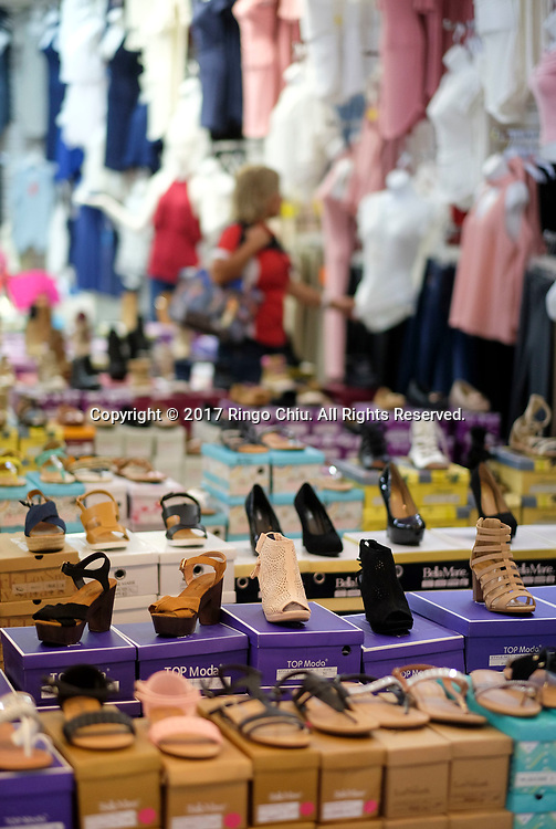 People shop at a shopping center in Mexicali (the Mexico and US border), Mexico on Thursday April 20, 2017. (Xinhua/Zhao Hanrong)