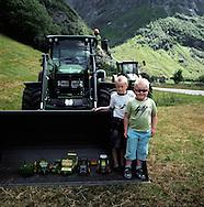 Ruben Flaten Kjosnes, and Sondre Kjosnes Handegard at Fonn, Stardalen.9 juli 2008