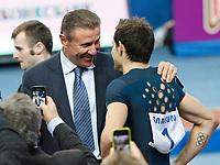 Friidrett<br /> Foto: imago/Digitalsport<br /> NORWAY ONLY<br /> <br /> Donetsk, Ukraine, Hallen Meeting, Renaud Lavillenie Frankreich übersprang 6m16 im Stabhochsprung, hier mit Sergey Bubka<br /> 15.02.2014