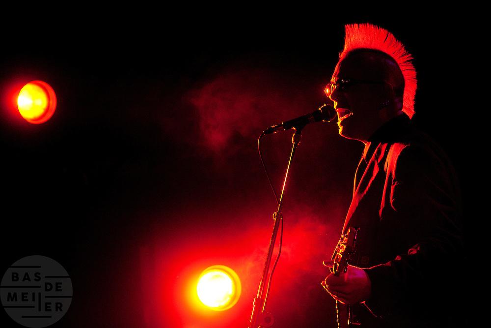 Optreden van Faith and The Muse in Tivoli. In Utrecht komen goths uit heel Europa bij elkaar voor het jaarlijkse festival Summer Darkness. Tijdens het driedaags festijn zijn er onder andere optredens van bands, een markt en een modeshow. Het is ook een kwestie van zien en gezien worden.<br /> <br /> Concert of the band Faith and The Muse at the festival Summer Darkness. During the festival goths from all over Europe are coming to Utrecht to meet and enjoy music, a market, a fashion show and more.