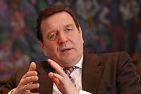 09 JAN 2002, BERLIN/GERMANY:<br /> Gerhard Schroeder, SPD, Bundeskanzler, waehrend einem Interiew, in seinem Buero, Bundeskanzleramt<br /> Gerhard Schroeder, SPD, Federal Chancellor of Germany, during an interview, in his office<br /> IMAGE: 20020109-02-029<br /> KEYWORDS: Gerhard Schröder