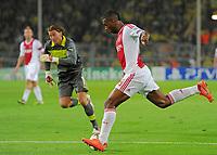 Fotball<br /> Tyskland<br /> 18.09.2012<br /> Foto: Witters/Digitalsport<br /> NORWAY ONLY<br /> <br /> v.l. Torwart Roman Weidenfeller, Ryan Babel (Amsterdam)<br /> Fussball Champions League, Gruppenphase, Borussia Dortmund - Ajax Amsterdam