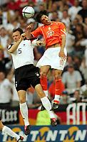Fotball,  Portugal, EM, Euro 2004, 150604, Tyskland - Nederland<br /> Jens Nowotny , Tyskland og Ruud van Nistelrooy, Nederland<br /> Photo:Digitalsport