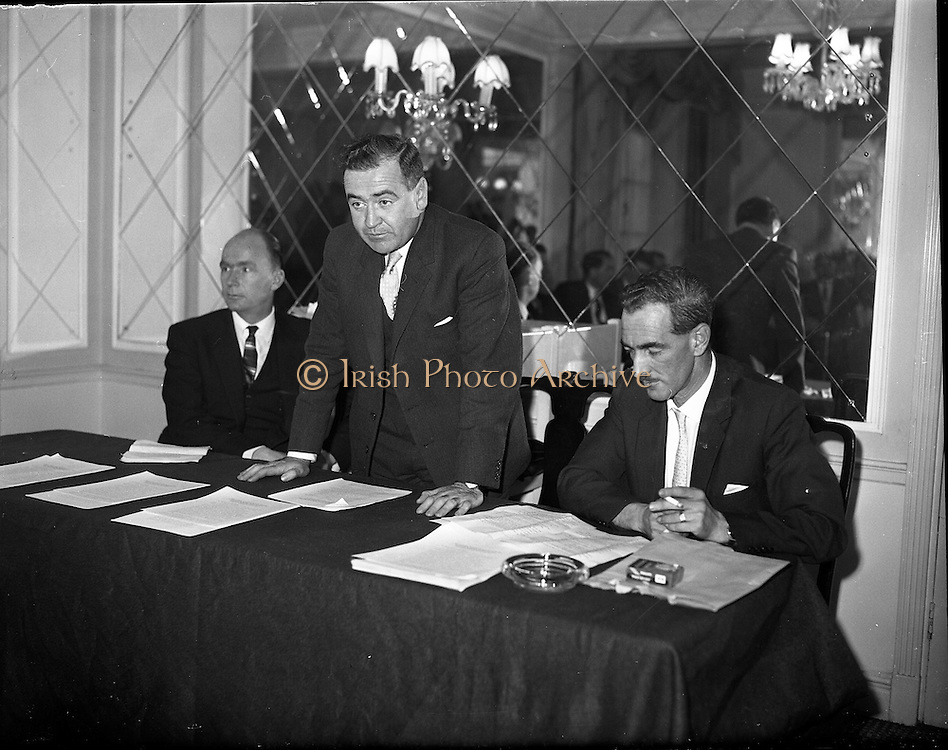 03/11/1961<br /> 11/03/1961<br /> 03 November 1961<br /> David Brown tractors Press Conference for presentation of prize in Tractor Maintenance competition at the Gresham Hotel, Dublin.
