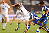 Fotball<br /> Spania 2004/05<br /> Espanyol v Real Madrid<br /> 18. september 2004<br /> Foto: Digitalsport<br /> NORWAY ONLY<br /> SANTIAGO SOLARI (REAL) / HUGO IBARRA (ESP)