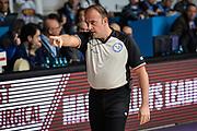 DESCRIZIONE : Cantu Lega A 2015-16 <br /> GIOCATORE : Arbitro Referee<br /> CATEGORIA : Arbitro Referee Mani <br /> SQUADRA : <br /> EVENTO : Campionato Lega A 2015-2016<br /> GARA : Acqua Vitasnella Cantu' Vanoli Cremona <br /> DATA : 14/12/2015<br /> <br /> SPORT : Pallacanestro<br /> AUTORE : Agenzia Ciamillo-Castoria/M.Ozbot<br /> Galleria : Lega Basket A 2015-2016 <br /> Fotonotizia: Cantu Lega A 2015-16