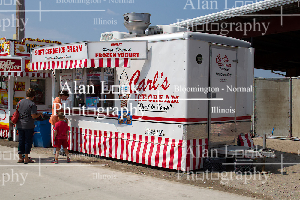 01 August 2014:   McLean County Fair.  Carl's Ice Cream stand