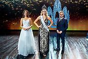 HILVERSUM, 31-08-2020, Studio 21<br /> <br /> Miss Nederland 2020 in Studio 21, Hilversum<br /> <br /> Op de foto: Miss Nederland 2020 Denise Speelman met Patrick Martens en Miss Nederland 2018 Rahima Dirkse