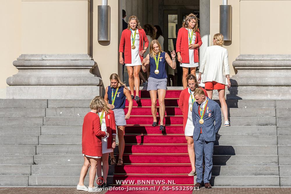 NLD/Den Haag/20160824 - Huldiging sporters Rio 2016, oa Marit Bouwmeester en Sharon van Rouwendaal, Edith Bosch en Ferry Weertman