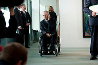 19 MAY 2010, BERLIN/GERMANY:<br /> Wolfgang Schaeuble, CDU, Bundesfinanzminister, telefoniert vor Beginn der Kabinettsitzung, Bundeskanzleramt<br /> IMAGE: 20100519-02-009<br /> KEYWORDS: Telefon, phone, Rollstuhl, Wolfgang Schäuble,