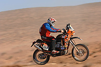 Motor<br /> Rally Dakar<br /> Foto: Dppi/Digitalsport<br /> NORWAY ONLY<br /> <br /> MOTORSPORT - DAKAR 2007 - STAGE 4 - ER RACHIDIA . OUARZAZATE 09/01/2007<br /> <br /> MOTO - ELMER SYMONS (RSA) / KTM<br /> Symons omkom på etappen
