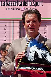 21.05.2011, Hauptplatz Lienz, AUT, Giro d´ Italia 2011, 14. Etappe, Lienz - Monte Zoncolan, im Bild TVB Osttirol Obmann Franz Theurl // during the Giro d´ Italia 2011, Stage 14, Lienz - Monte Zoncolan,Austria, 2011-05-21, EXPA Pictures © 2011, PhotoCredit: EXPA/ J. Feichter