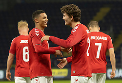 Målscorer Jonas Wind (Danmark) jubler med Alexander Bah efter scoringen til 1-0 under venskabskampen mellem Danmark og Sverige den 11. november 2020 på Brøndby Stadion (Foto: Claus Birch).