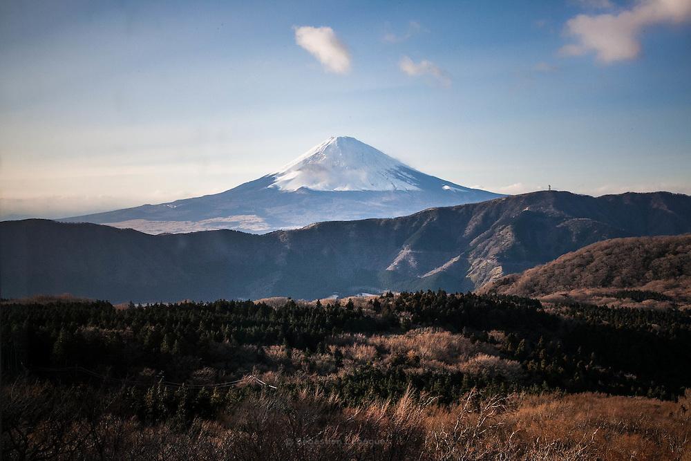 FUJI, HAKONE, JAPAN -- Fuji san The mount Fuji with a cloud on the top. Color of automn. december 2012 [FR] le mont Fuji aux couleurs d'automne