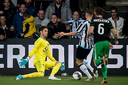 (L-R) goalkeeper Brad Jones of Feyenoord, Paul Gladon of Heracles Almelo during the Dutch Eredivisie match between Heracles Almelo and Feyenoord Rotterdam at Polman stadium on September 09, 2017 in Almelo, The Netherlands