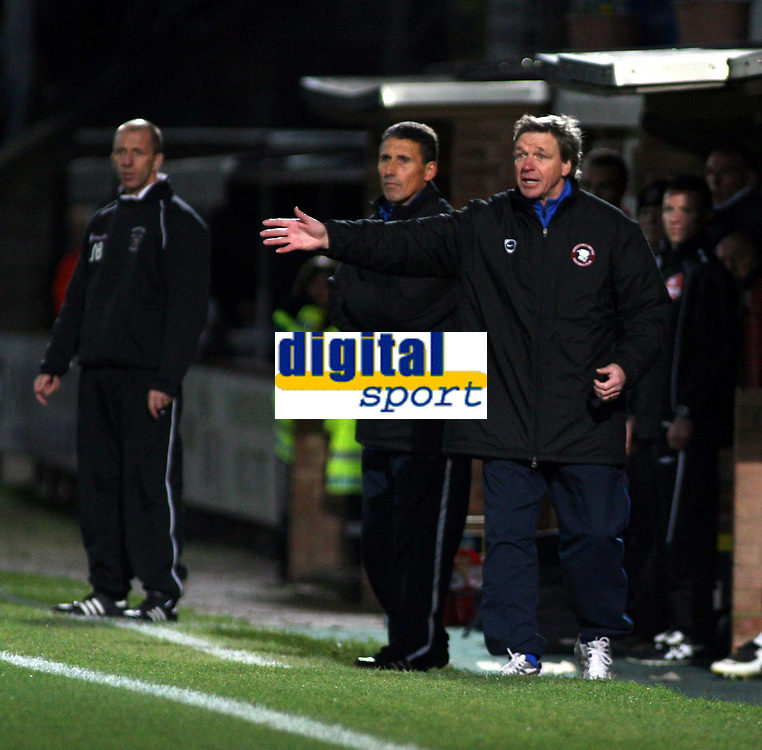 Photo: Mark Stephenson/Sportsbeat Images.<br /> Hereford United v Accrington Stanley. Coca Cola League 2. 24/11/2007.Hereford's manager Graham Turner (R)  shouts his orders as Accrington's manager John Flynn (L)  looks on
