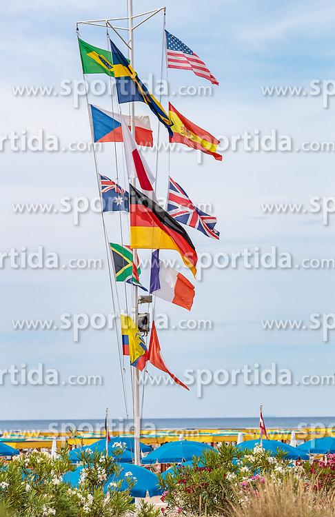THEMENBILD - Fahnen von verschiedenen Nationen, aufgenommen am 24. Juni 2018 in Viareggio, Italien // Flags of different nations, Viareggio, Italy on 2018/06/24. EXPA Pictures © 2018, PhotoCredit: EXPA/ JFK
