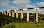Entre Rios de Minas_MG, Brasil...Ponte em uma paisagem rural em Entre Rios de Minas...The bridge the rural landscape in Entre Rio de Minas...Foto: PEDRO SILVEIRA / NITRO