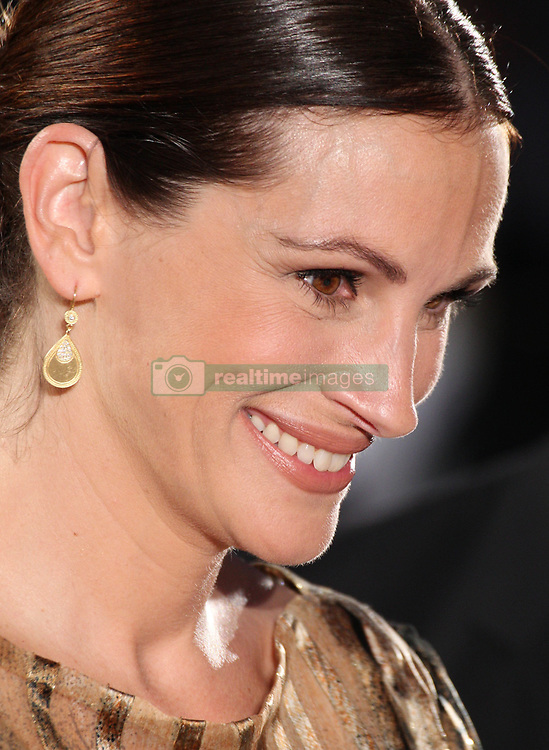 Aug 19, 2010 - Tokyo, Japan - Actress JULIA ROBERTS attends the Japan premiere of 'Eat Pray Love.' The movie will open on September 17th in Japan..(Credit Image: © Junko Kimura/Jana/ZUMApress.com)