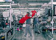Tolentino, Poltrone Frau, creazione della plancia delle Ferraridagli artigiani di  Poltrone Frau. La plancia della Superfast