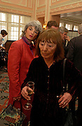Sara Wheeler and Beryl Bainbridge. The Oldie Of The Year Awards,  Simpsons in the Strand, London. 22 March 2005. ONE TIME USE ONLY - DO NOT ARCHIVE  © Copyright Photograph by Dafydd Jones 66 Stockwell Park Rd. London SW9 0DA Tel 020 7733 0108 www.dafjones.com