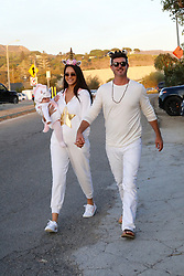 Robin Thicke and April Love Geary dressed up for Halloween in Malibu . 31 Oct 2018 Pictured: Robin Thicke and April Love Geary. Photo credit: MEGA TheMegaAgency.com +1 888 505 6342