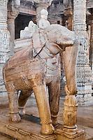 Inde, Rajasthan, Ranakpur, temple jaïn d'Adinath // India, Rajasthan, Ranakpur, Jain temple