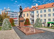 Rzeszów (woj. podkarpackie) 2018-10-11. Pomnik płk. Leopolda Lisa-Kuli przy ul. Jana Matejki Rzeszowie.