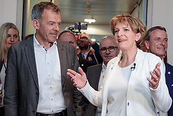 06.05.2018, Innsbruck, AUT, Bürgermeisterstichwahl Innsbruck, Wahlergebnis, im Bild v.l. Georg Willi (Die Grünen), Christine Oppitz-Plörer (FI) // during the mayoral stitch election in Innsbruck, Austria on 2018/05/06. EXPA Pictures © 2018, PhotoCredit: EXPA/ Johann Groder