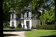 APELDOORN, 09-06-2021 , Kroondomein Het Loo<br /> <br /> Kroondomein Het Loo is een landgoed op de Veluwe, in de Nederlandse provincie Gelderland. Het is het grootste landgoed van Nederland en omvat ongeveer 10.400 hectare.<br /> <br /> Op de foto: Jagershof