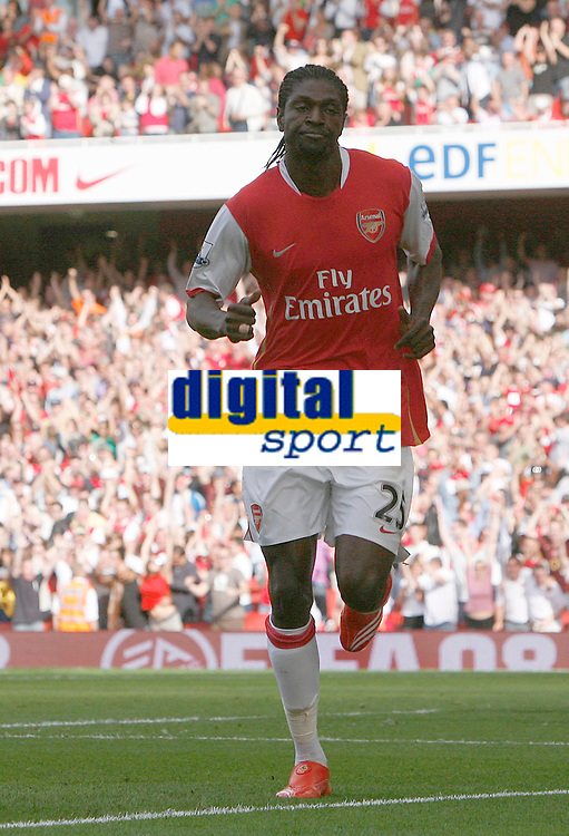 Photo: Steve Bond.<br />Arsenal v Derby County. The FA Barclays Premiership. 22/09/2007. Emmanuel Adebayor scores on his way to a hat trick