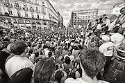 """In an unprecedented event in the history of Spanish democracy, citizens hit the streets in a whole scream of """"Real Democracy"""" tired of political failures against the economic crisis, rising unemployment and abuse of major banks and financial institutions have left entire families evicted in the street."""