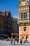 Wrocław, 2007-05-01. Dekoracja fasady południowej ratusza