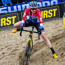 2018-11-24: Cycling: CX Worldcup: Koksijde: Lucinda Brand in trouble