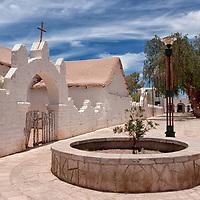 The charming village of San Pedro de Atacama is a popular tourist destination. Near this cosy village you can visit main sights like the geysir fields of El Tatio, Valle de la luna or the giant salt area of Salar de Atacama.