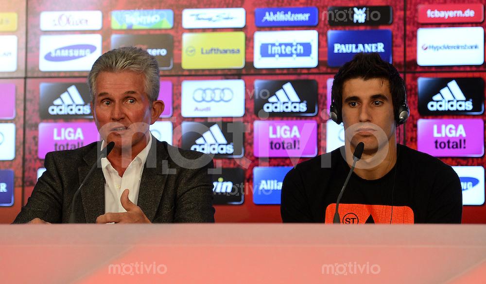 FUSSBALL   1. BUNDESLIGA  SAISON 2012/2013    FC Bayern Muenchen Pressekonferenz      30.08.2012 Trainer Jupp Heynckes und Javi Martinez (v. li.)