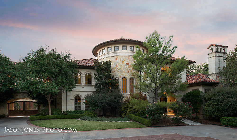 Luxury home front exterior photograph