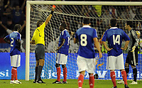 Fotball<br /> Serbia v Frankrike<br /> Foto: DPPI/Digitalsport<br /> NORWAY ONLY<br /> <br /> FOOTBALL - FIFA WORLD CUP 2010 - QUALIFYING ROUND - GROUP 7 - SERBIA v FRANCE - 9/09/2009<br /> <br /> RED CARD HUGO LLORIS (FRA) / ROBERTO ROSETTI (REF)