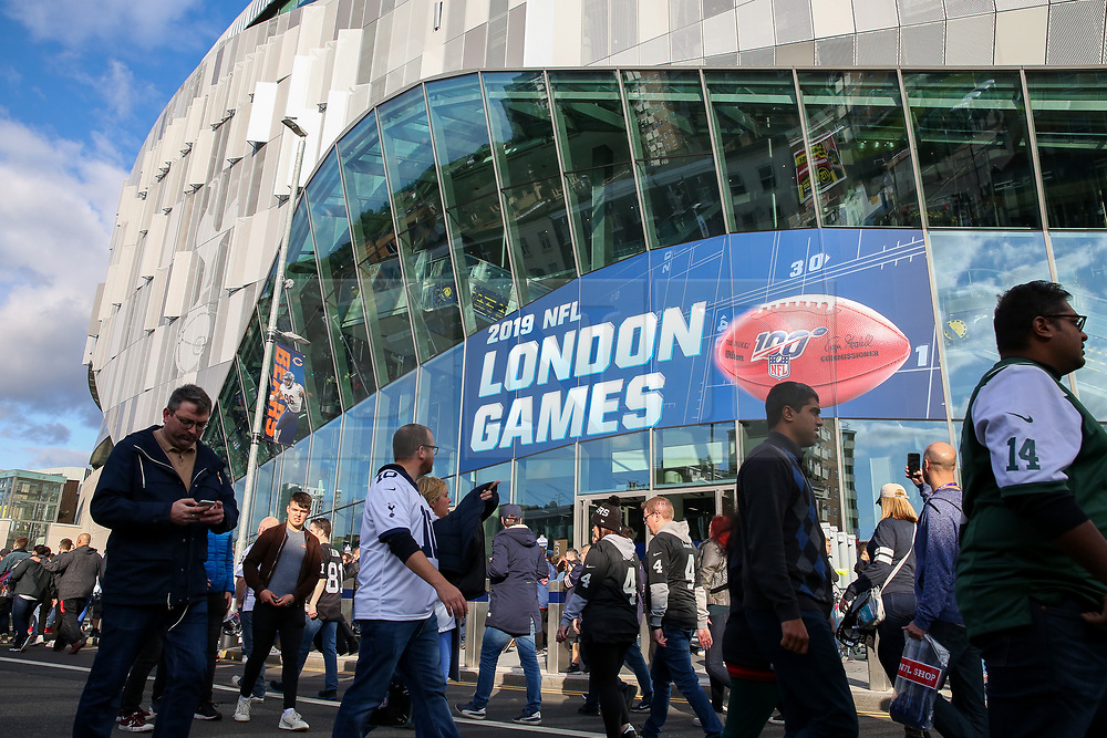 © Licensed to London News Pictures. 06/10/2019. London, UK. American Football fans arrive for the NFL (The National Football League) London Games when Oakland Raiders faces Chicago Bears in the first of the two games to be played at the new Tottenham Hotspur Stadium. Photo credit: Dinendra Haria/LNP