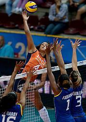 02-10-2014 ITA: World Championship Volleyball Nederland - Brazilie, Verona<br /> Nederland pakt de eerste set tegen Brazilie / Celeste Plak