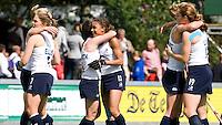 AMSTELVEEN - Vreugde bij de dames van Engeland na het behalen van brons, zaterdag na de wedstrijd om de derde plaats tussen Spanje en Engeland (1-2).